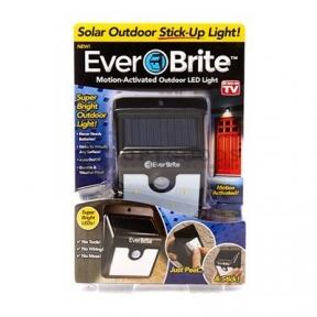 Светильник на солнечной батарее с датчиком движения Ever Brite